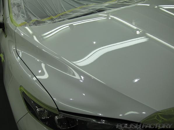 トヨタ ハリアー新車にガラスコーティング施工時の下地処理画像
