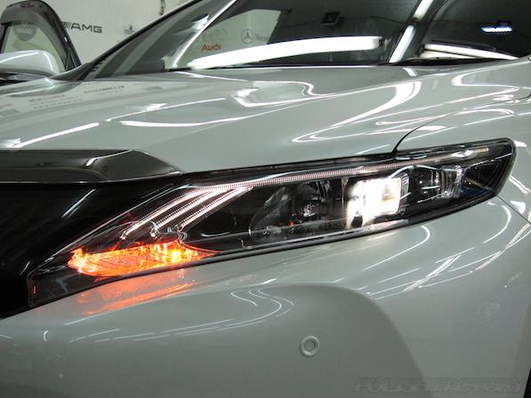 トヨタ ハリアー新車にガラスコーティング施工時のウィンカー画像