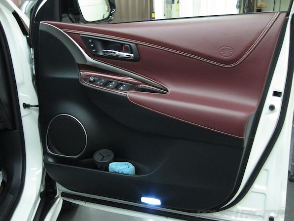トヨタ ハリアー新車にガラスコーティング施工時のドア内張画像