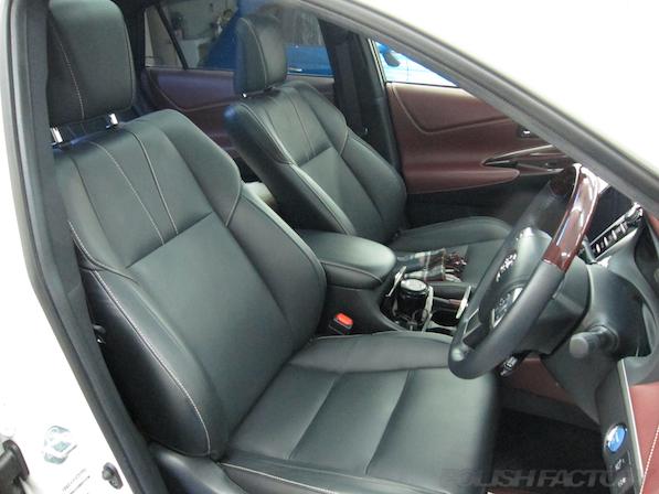 トヨタ ハリアー新車にガラスコーティング施工時の座席画像