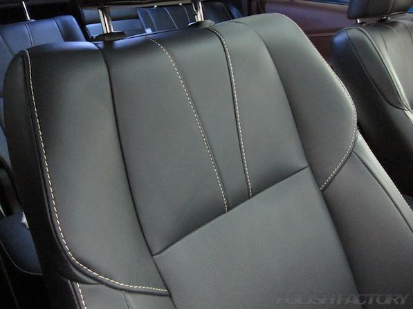 トヨタ ハリアー新車にガラスコーティング施工時の座席アップ画像
