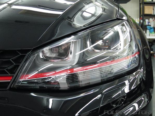 VW ゴルフ 7 GTIにガラスコーティング施工、ヘッドライト画像