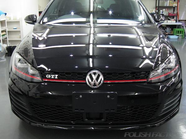 VW ゴルフ 7 GTIにガラスコーティング施工、綺麗な仕上がり画像