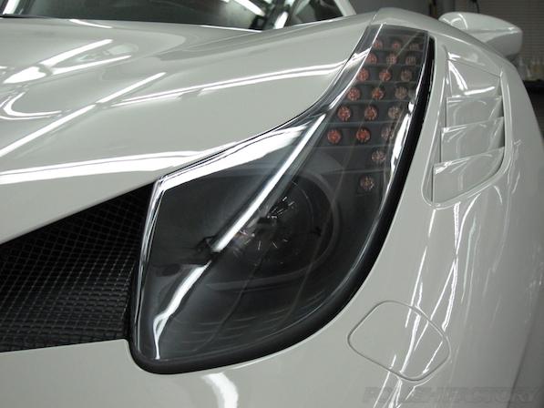 フェラーリ 458イタリア スペチアーレにガラスコーティング、ヘッドライト画像