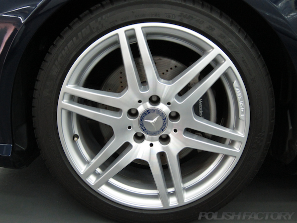 メルセデス・ベンツ E250 ワゴン アバンギャルドガラスコーティング画像