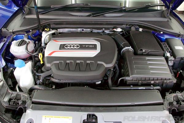 エンジン、アウディ磨きガラスコーティング画像