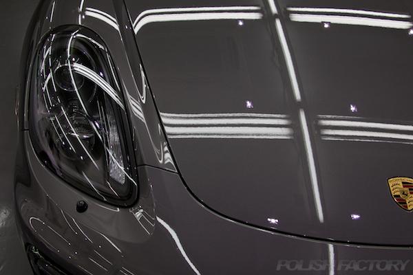 ポルシェケイマンGTSの新車にコーティング施工時のボディ画像