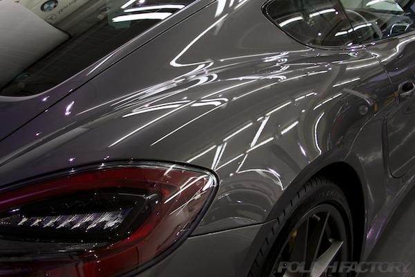 ポルシェケイマンGTSの新車にコーティング施工時のコーティング後画像