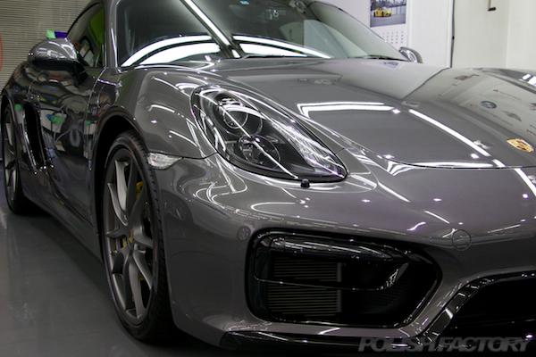 ポルシェケイマンGTSの新車にミリオンコーティング施工時の画像