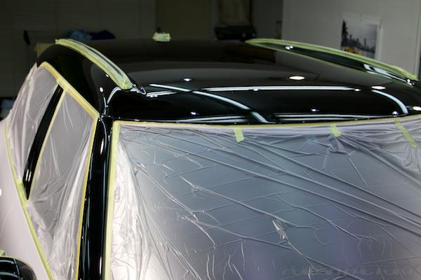 MINIクーパーSD クロスオーバーにガラスコーティング施工、下地処理中画像