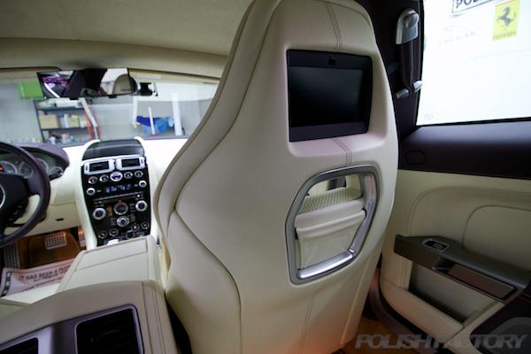 アストンマーチン ラピード Luxeにガラスコーティング、シート裏側画像