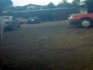 車のクリア塗装のひび割れ