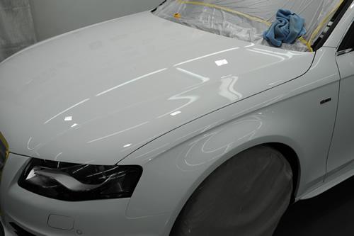 アウディA4SLINE磨きガラスコーティング施工画像