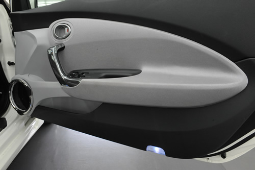 ホンダCR-Z磨きガラスコーティング施工画像