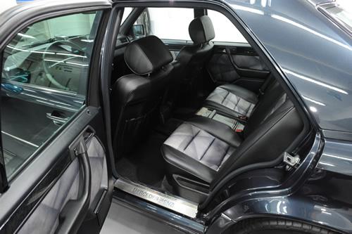 メルセデス ベンツ W124 500E ガラスコーティング施工画像