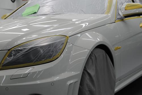 AMG C63磨きガラスコーティング画像