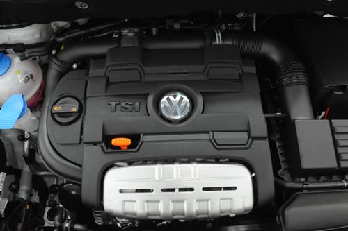 VW ゴルフトゥーラン施工画像