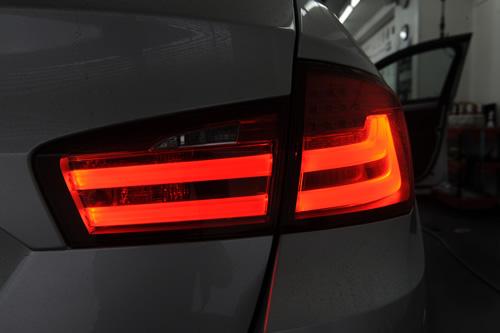 BMW523ツーリング磨きガラスコーティング