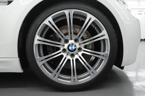 BMW E92 M3磨きガラスコーティング画像