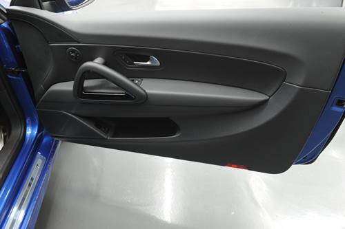 VW シロッコRガラスコーティング施工画像