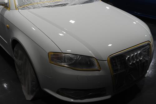 アウディ A4アバント磨きガラスコーティング画像