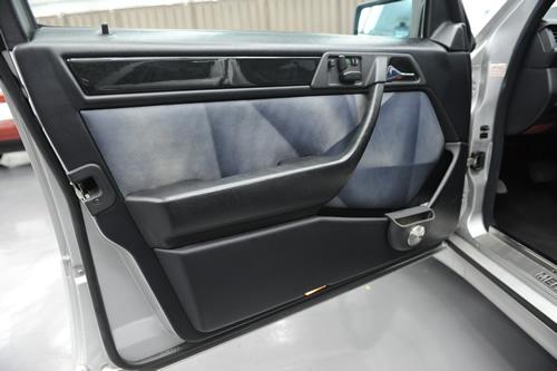W124 E500LTD 施工画像