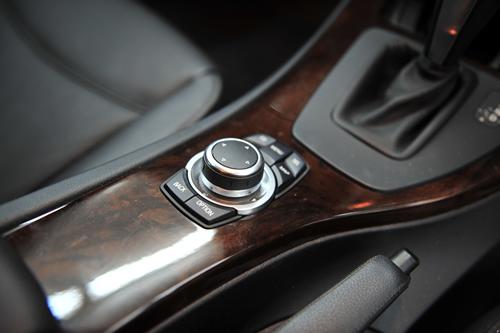BMWE91320ツーリング|磨きガラスコーティング画像